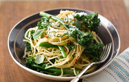 Aldo Zilli's Spaghetti with Tenderstem Broccoli, Garlic & Chilli
