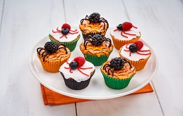 Berry Spooky Halloween Cupcakes