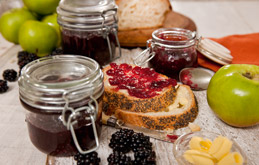 Apple and Blackberry Jam