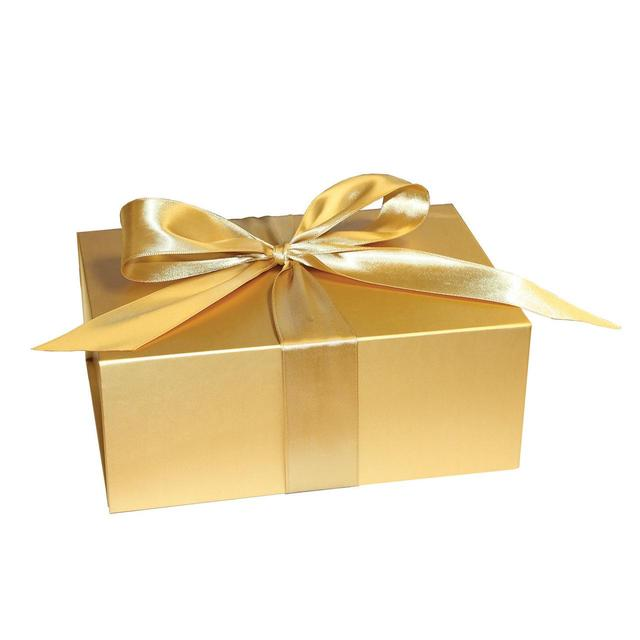 Gift Box Gold : Gold gift box medium from ocado