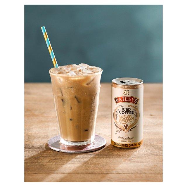 Iced Vanilla Coffee Latte Recipe (Using Nespresso)