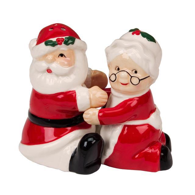Stunning Gobbling Up In Santa Claus Hat