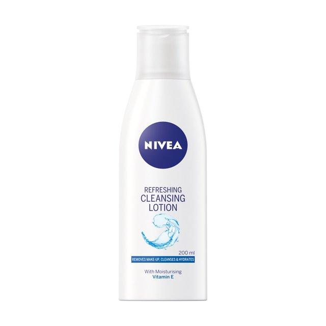 who makes nivea products